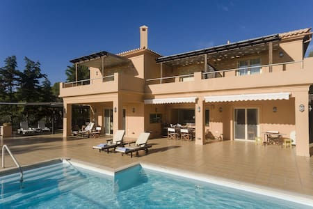 Idyllic Mediterranean Villa