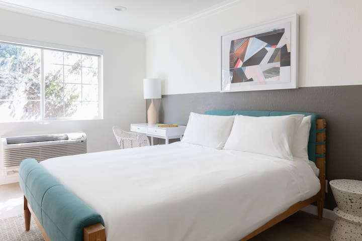 Sonder | Broadway Motel | Charming Room