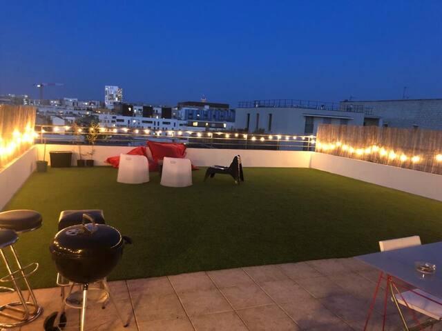 Grand dupleix avec un rooftop à 5 min de Paris