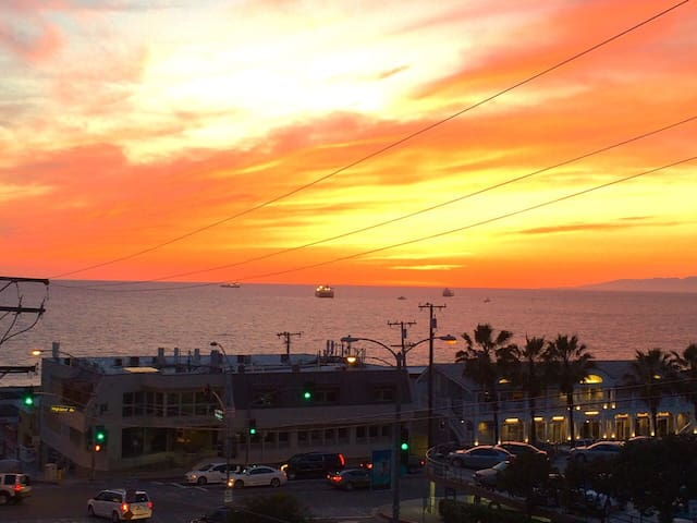 Manhattan Beach - Sunsets and Sand