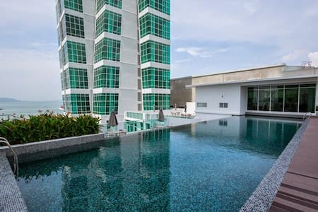 Penang Luxury Seafront Suite @ Georgetown  乔治市之约 - George Town - Ortak mülk