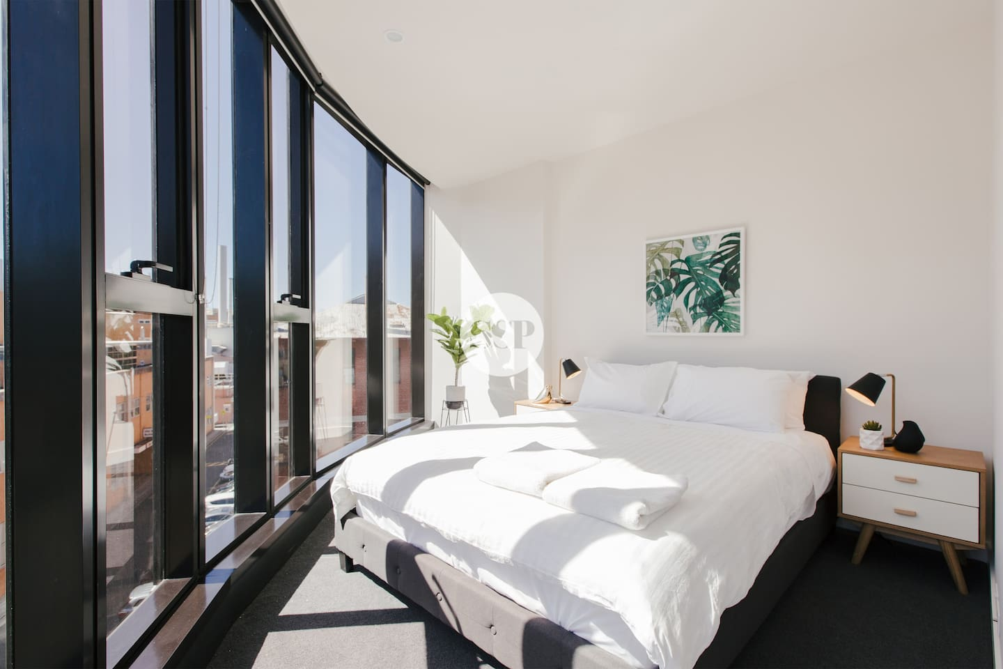 Wake up to a panoramic view in this queen size bed that is lined with hotel quality linen - cleaned and prepared before you arrive.