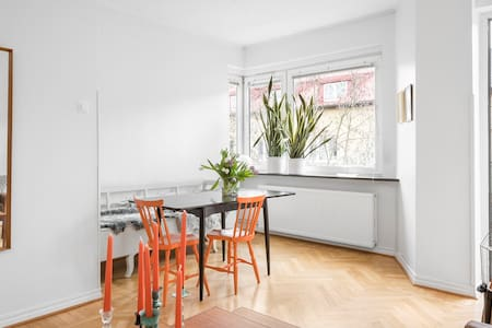 Two balcony apartment on the top floor - Malmö - Byt