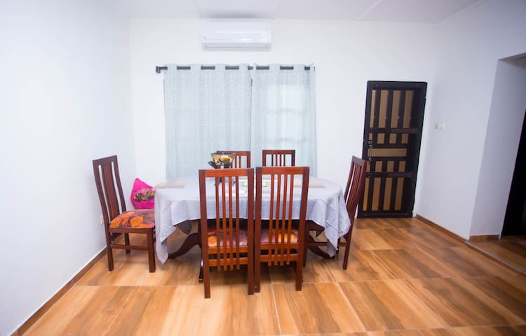 Comfortable Modern 1 Bedroom  Near Spintex Rd