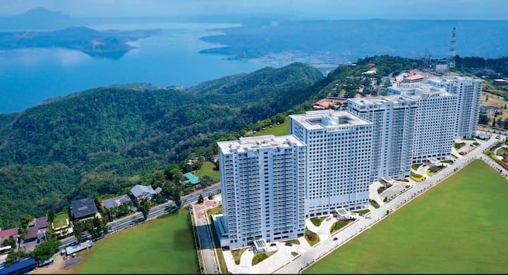 Wind Residences T3- 1BR w/ Balcony & Free Parking