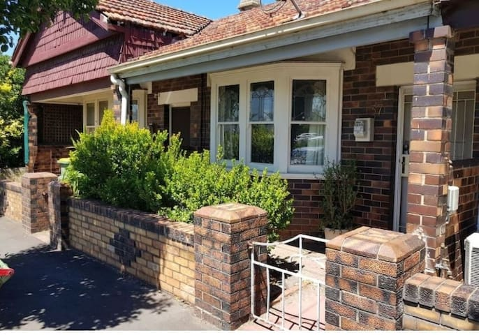 Awesome house close to CBD and shops