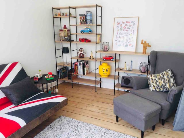 Cozy apartment near the station (for Legoland)
