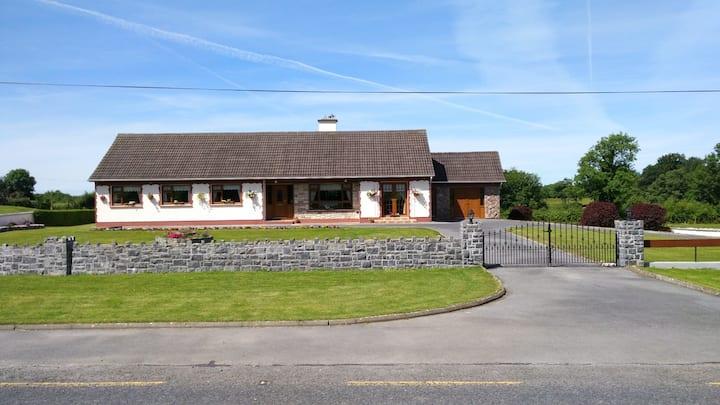 Bunnahow Lodge
