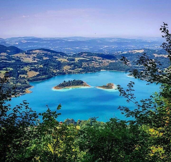 Retrouvailles  au lac d'Aiguebelette en Savoie
