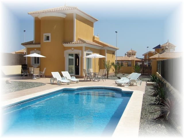 3 Bed Luxury Spanish Villa with Private Pool
