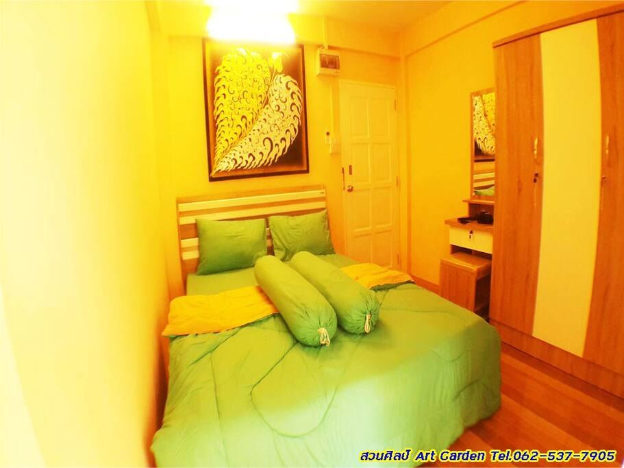 ห้องนอนสีเขียว-ครีม