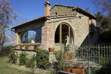Gellino, sleeps 2 guests in Antria - Arezzo - Villa