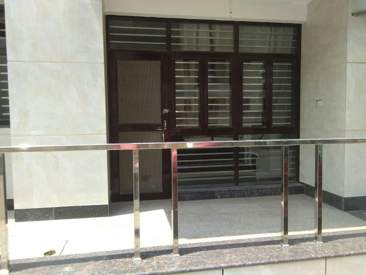 Royal Executive (Fully Airconditioned Apartment)