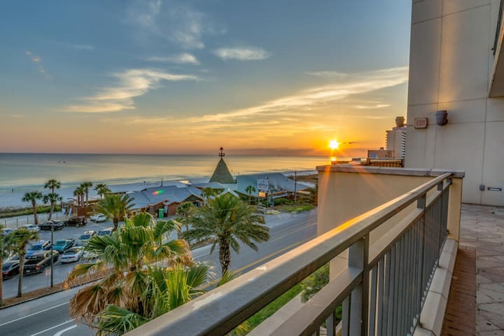 *Origin*Steps to the Beach**Gulf Views!**