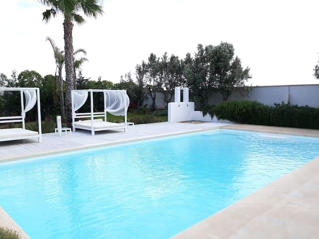 Il Giardino TerraNostra Suite con piscina Salento
