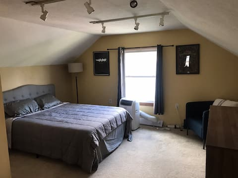 Alberta Arts District Attic Bedroom