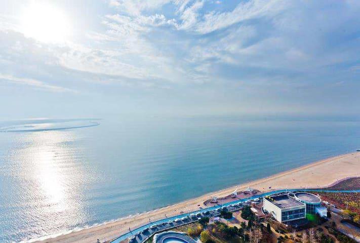 【宿海】180度全视角超级海景体验/金梦海湾/新澳海底世界/真正的躺在床上看海的公寓!