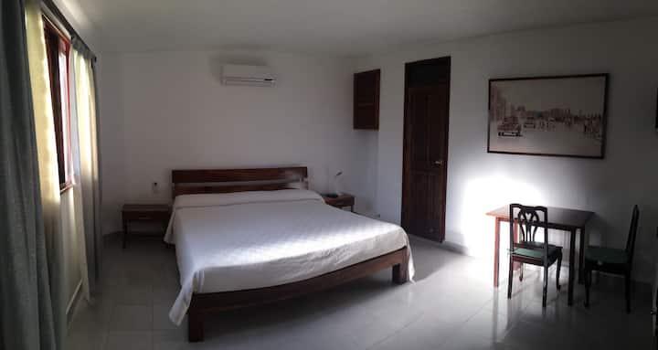 Habitación confortable y espaciosa
