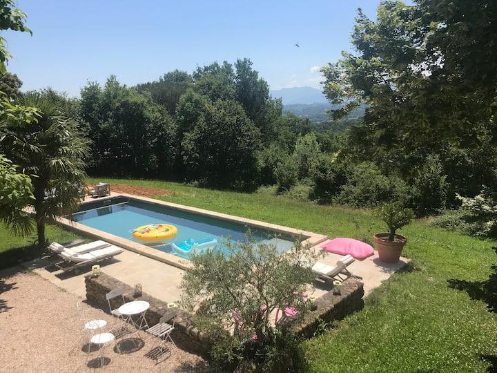 Maison avec piscine vue Pyrénées