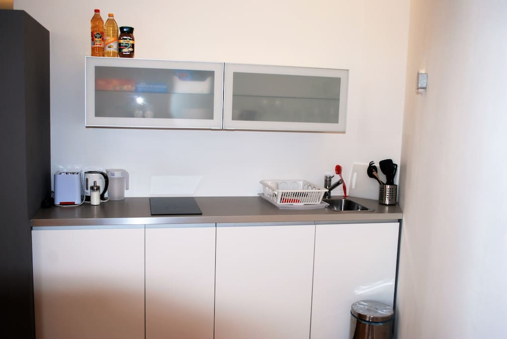 2 rooms with kitchenettes cozy apartment in the center of Prague near the Charles Bridge