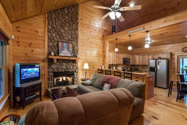 Wildwood - Adorable cabin in woods - Ellijay - Kisház