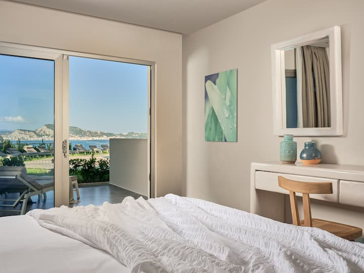 Superior Double/Twin Room | Panoramic View [24 m²]