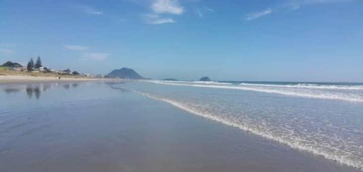 ✮Sunny and Modern 2 Bedroom Papamoa Beach House✮