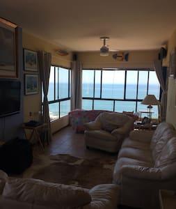 Lindo apartamento de frente para o mar - Barra Velha