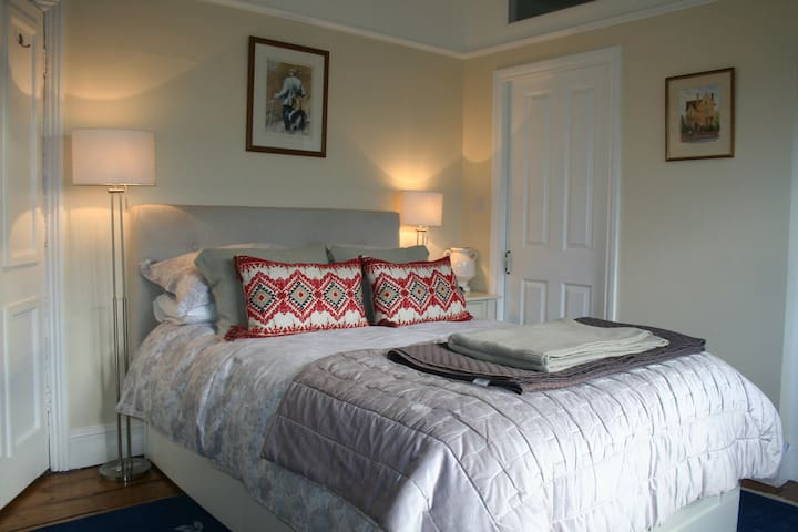 Central Oxford beautiful double B&B