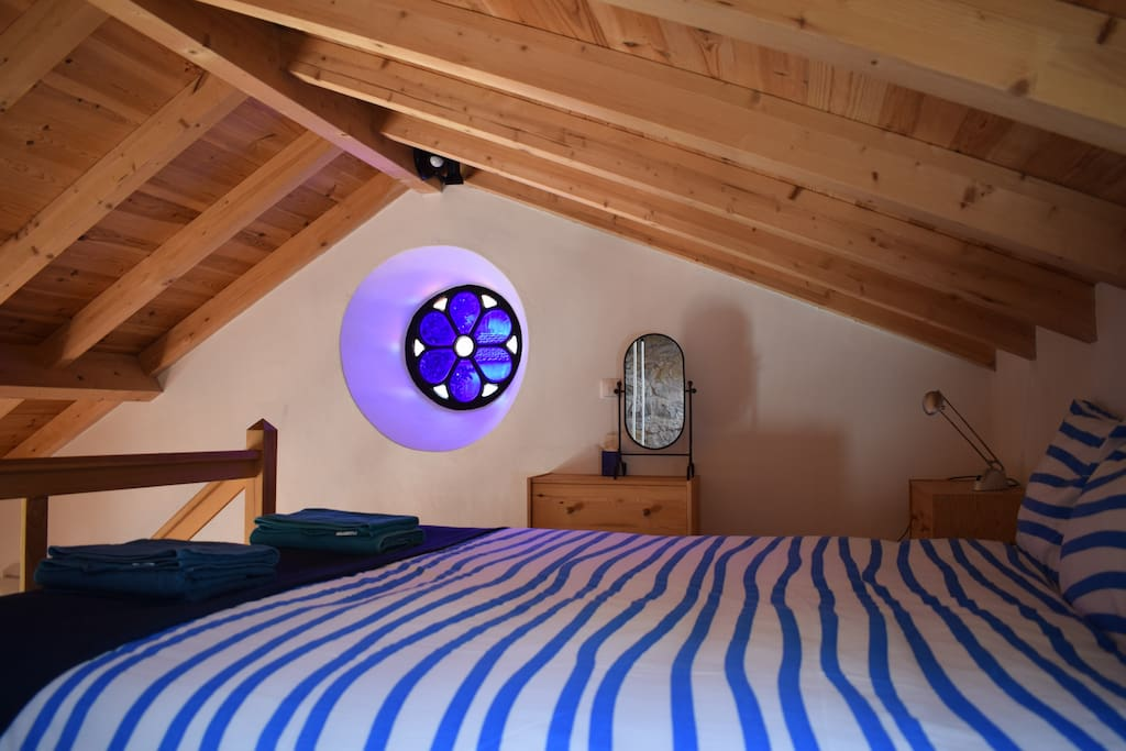 bed room on the loft