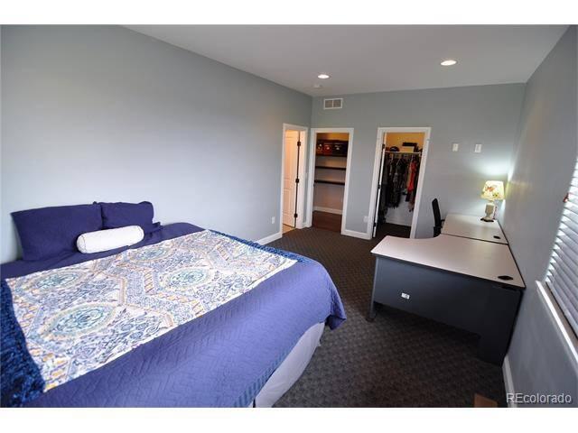 Spacious Clean Large Bedroom Near Belmar!