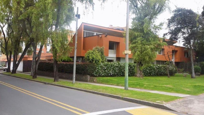 Habitacion en Bogotá bien ubicada - Bogotá - Hus