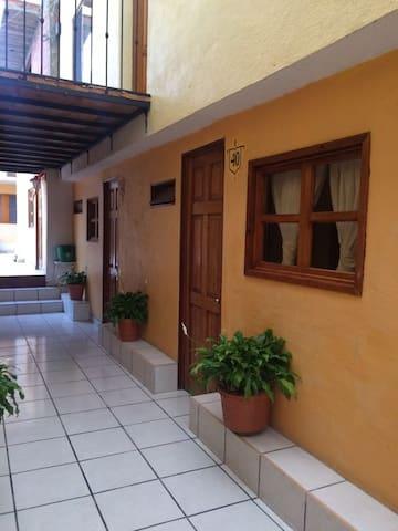 Tu casa en Pátzcuaro, renta de habitaciones.