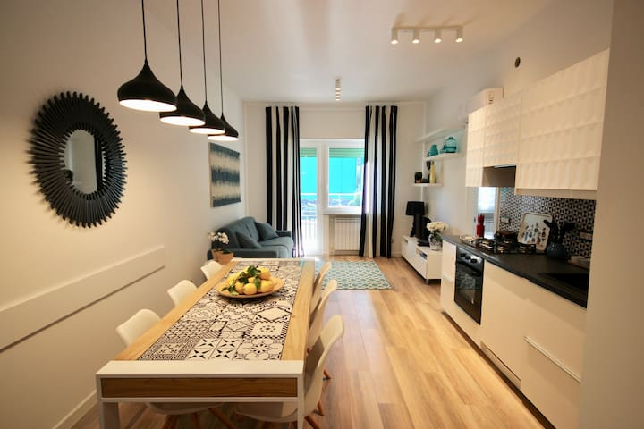 BlueBay House - Brand new a few steps from the sea