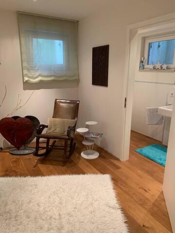 Eigenes Reich mit eigenem Bad im modernen Haus