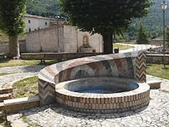 Casa Immersa nella tranquillità del Paese - Civita D'antino - House