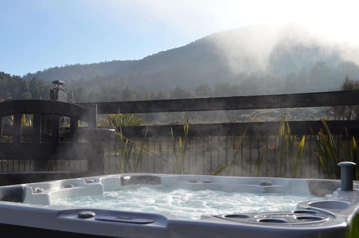 Tongariro Springs Petite Suite:::