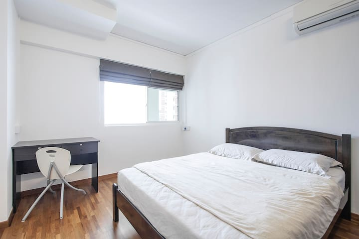 Wow!Super Value For $! S$850/Mth! - Singapore - Apartment