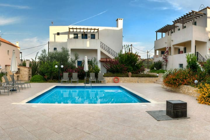 1 BEDROOM APARTMENT HOUSE - DOULIANA VILLAS 2 - Douliana - Leilighet