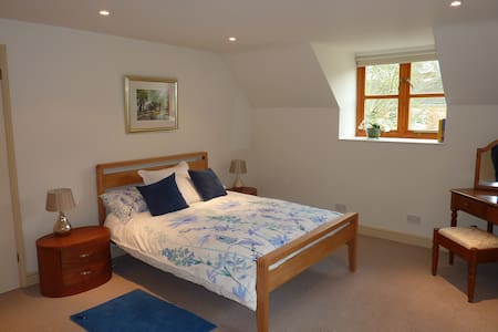 Ideal for Gold Cup week, Cheltenham - Winchcombe - Casa