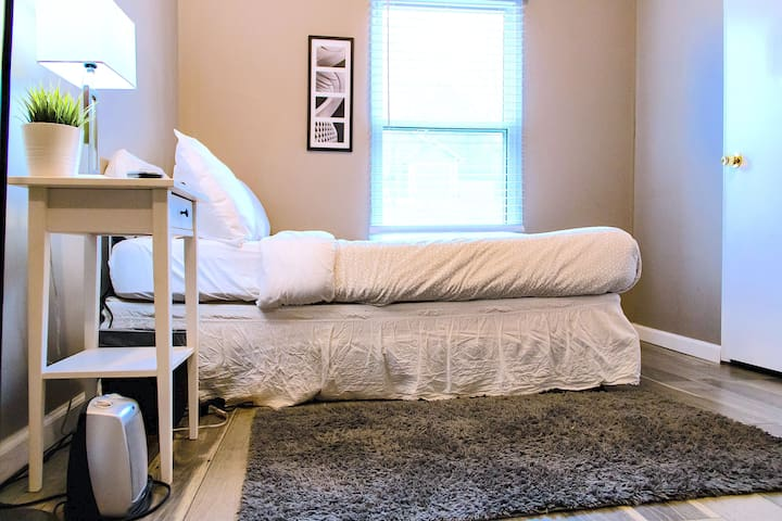 Cozy Kennesaw Minimalist Styled Home Room #4