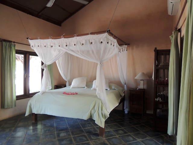 Villa Sedeoen/ Bedroom #4 - Nembrala, Rote Island
