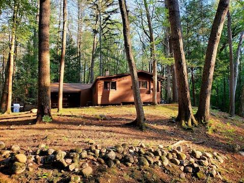 Newly Refurbished Twin Creeks Cabin