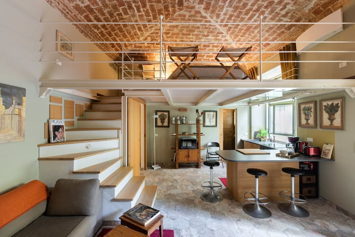 Charming and quite loft with garden