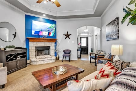 Reveille Retreat - 7min from A&M, close to shops!