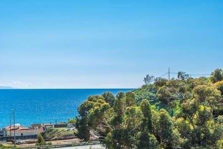 Ocean view close to beach! - Malibu