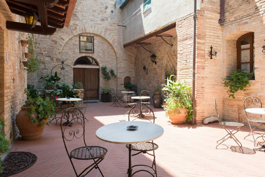 lovely courtyard for your relax