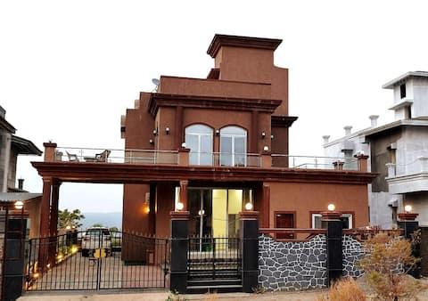 4BHK Luxury Villa with exquisite valley view