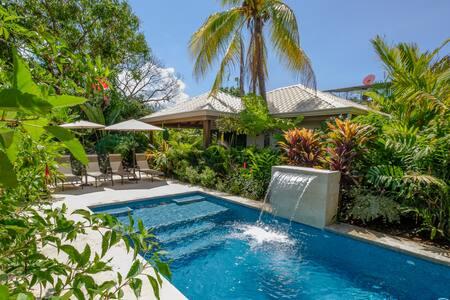 J5 Luxury 1Bdrm Villa w/Incredible Garden