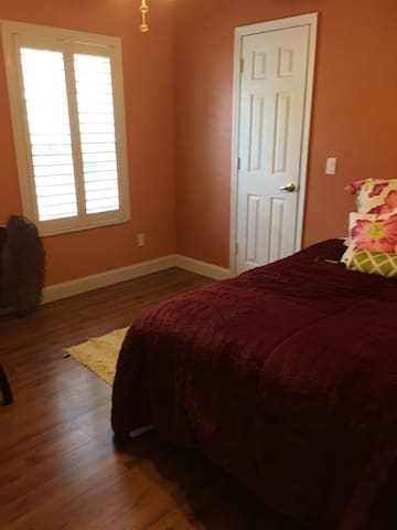 Luxurious yet affordable - Close to Mineral Spring